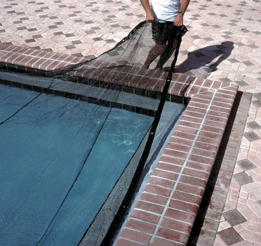 Why Should You Buy A Pool Leaf Net Cover?